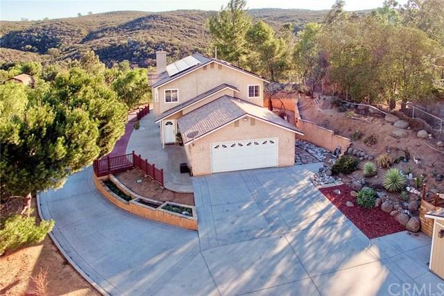 1737 Weekend Villa Road, Ramona, CA 92065 (#ND18274973) :: Fred Sed Group