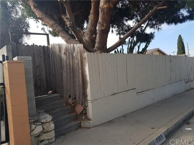 1168 W 204th Street, Torrance, CA 90502 (#SB18275935) :: Mainstreet Realtors®