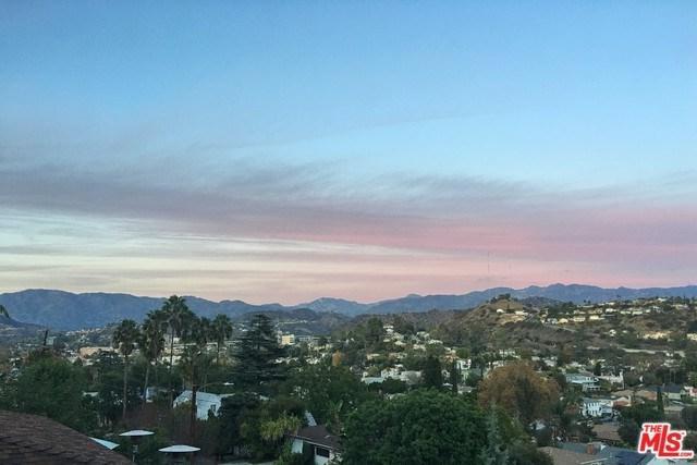 3254 Sagamore Way, Los Angeles (City), CA 90065 (#18406748) :: Fred Sed Group