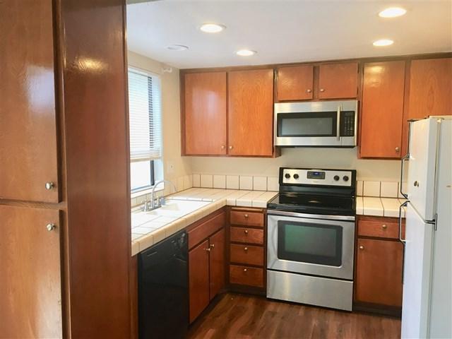 9785 Caminito Cuadro, San Diego, CA 92129 (#180066538) :: Mainstreet Realtors®