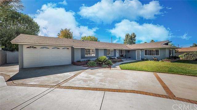 868 Saint John Place, Claremont, CA 91711 (#CV18287392) :: Fred Sed Group