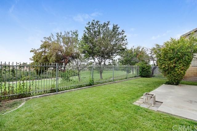 16633 Escalon Drive, Fontana, CA 92336 (#AR19007925) :: Mainstreet Realtors®