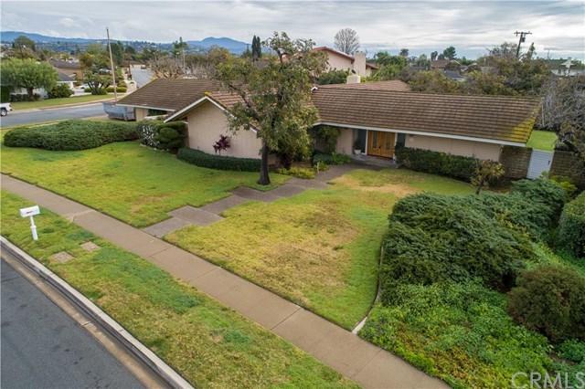 13762 Carlsbad Drive, Santa Ana, CA 92705 (#PW19012776) :: Hart Coastal Group