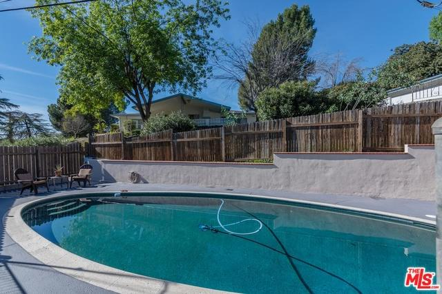 10329 Siesta Drive, Shadow Hills, CA 91040 (#19428460) :: The Brad Korb Real Estate Group