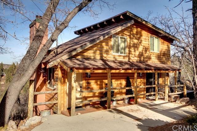 702 Villa Grove Avenue, Big Bear, CA 92314 (#PW19023598) :: Go Gabby