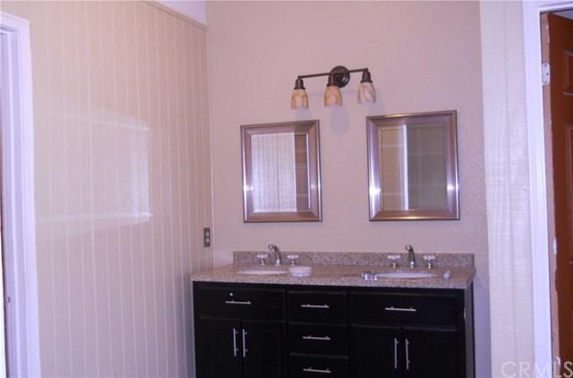 19118 Ash Street, Bloomington, CA 92316 (#IV19025956) :: The Laffins Real Estate Team