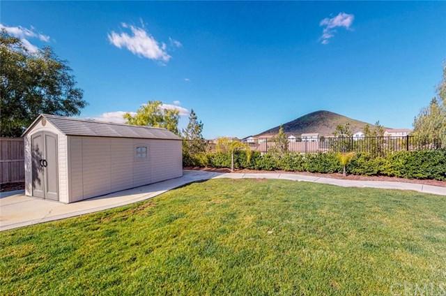 34211 Sundew Court, Lake Elsinore, CA 92532 (#SW19029951) :: The Laffins Real Estate Team
