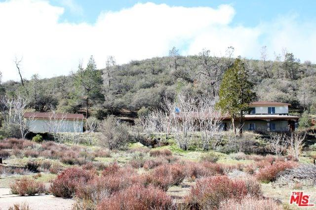 48333 3 POINTS Road, Lake Hughes, CA 93532 (#19438258) :: The Laffins Real Estate Team