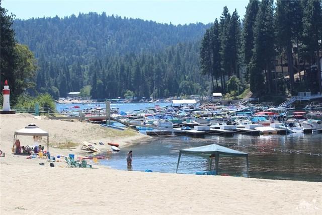 27721 Peninsula Drive #201, Lake Arrowhead, CA 92352 (#219006473DA) :: Fred Sed Group