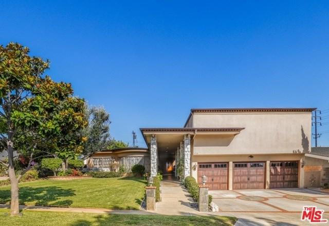 6736 Shenandoah Avenue, Los Angeles (City), CA 90056 (#19439136) :: Millman Team