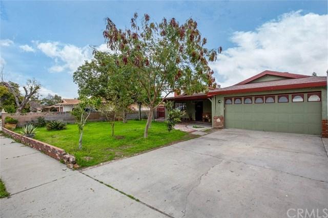 17801 Valencia Avenue, Fontana, CA 92335 (#CV19047959) :: Mainstreet Realtors®
