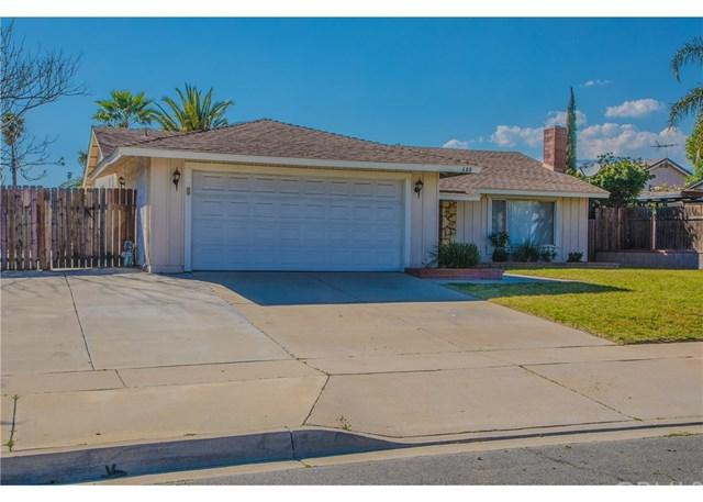 680 N Teakwood Avenue, Rialto, CA 92376 (#CV19060596) :: Go Gabby
