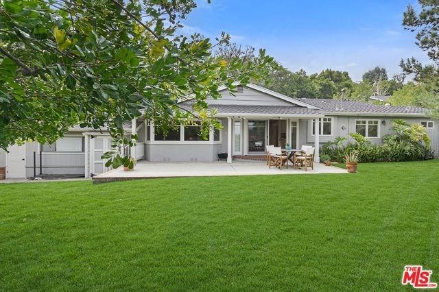 10895 Willowcrest Place, Studio City, CA 91604 (#19447514) :: RE/MAX Empire Properties
