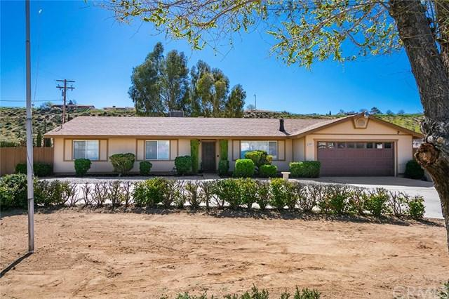 8173 Bangor Avenue, Hesperia, CA 92345 (#CV19072673) :: Z Team OC Real Estate