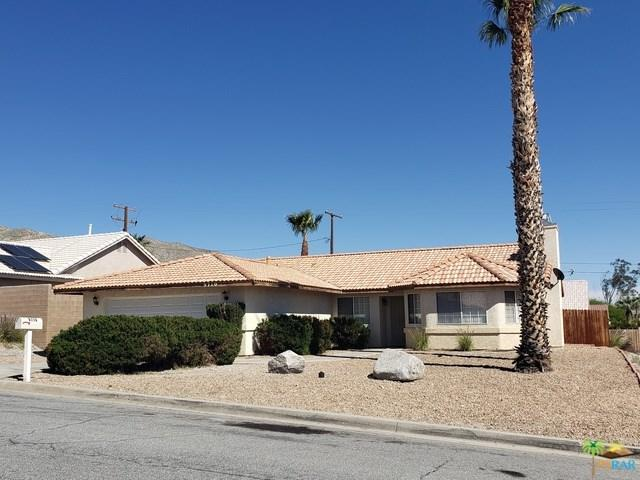 9710 Vista Del Valle, Desert Hot Springs, CA 92240 (#19450580PS) :: Vogler Feigen Realty