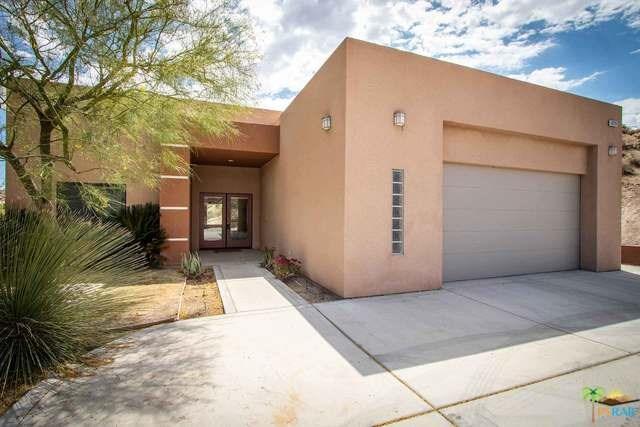 6220 Farrelo Road, Yucca Valley, CA 92284 (#19453032PS) :: RE/MAX Masters
