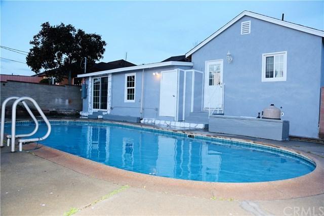 11239 S Van Ness Avenue, Inglewood, CA 90303 (#DW19086718) :: Kim Meeker Realty Group