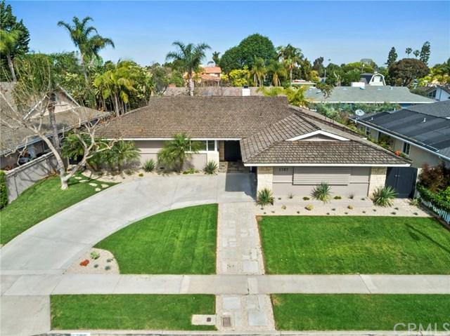 1707 Tradewinds Lane, Newport Beach, CA 92660 (#NP19081148) :: Heller The Home Seller
