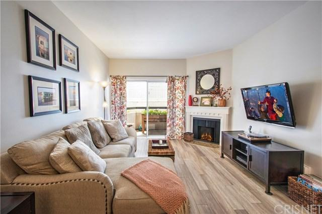 14914 Hamlin Street #114, Van Nuys, CA 91411 (#SR19114354) :: Fred Sed Group