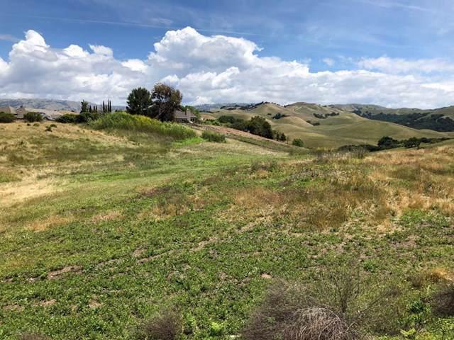 517 Vista Ridge Drive - Photo 1