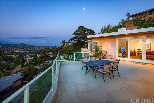 2850 Las Alturas Street, Hollywood Hills, CA 90068 (#SR19117647) :: Mainstreet Realtors®