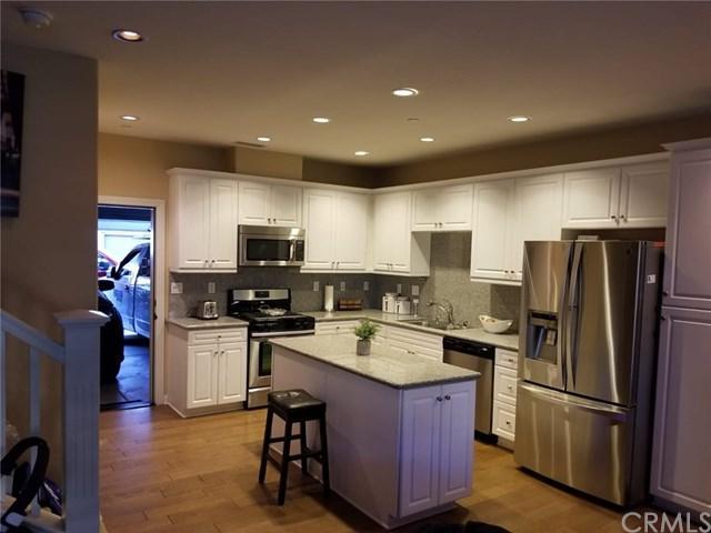698 E Valencia Street, Anaheim, CA 92805 (#PW19118285) :: Ardent Real Estate Group, Inc.