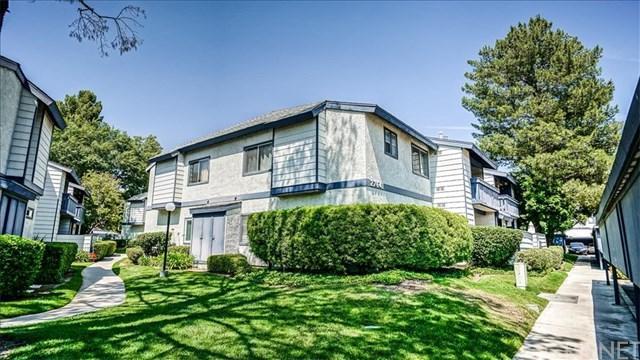27641 Susan Beth Way F, Saugus, CA 91350 (#SR19126225) :: Z Team OC Real Estate