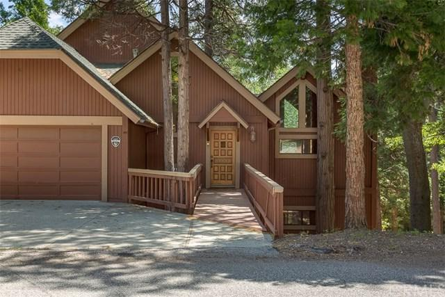 28652 Shenandoah Drive, Lake Arrowhead, CA 92352 (#CV19136850) :: Fred Sed Group