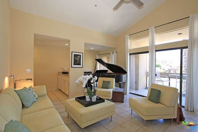 837 N Village Square, Palm Springs, CA 92262 (#19473084PS) :: The Brad Korb Real Estate Group