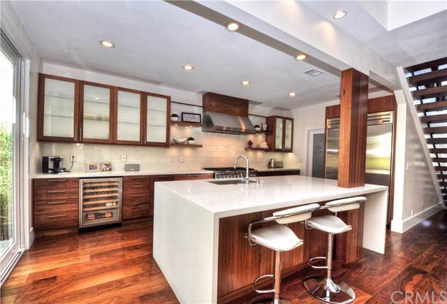 37 Rue Fontainebleau, Newport Beach, CA 92660 (#NP19153135) :: Fred Sed Group