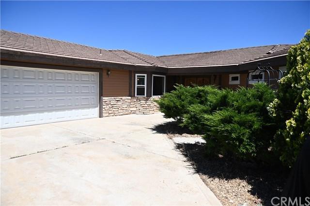 7172 Barker Road, Oak Hills, CA 92344 (#EV19164963) :: Bob Kelly Team