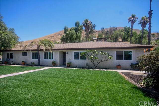 4425 Crestview Drive, Norco, CA 92860 (#IG19165110) :: Fred Sed Group