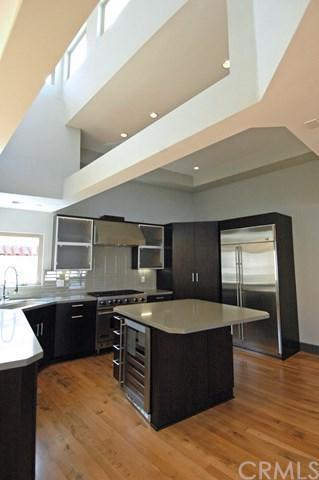 447 Manhattan Avenue, Hermosa Beach, CA 90254 (#SB19150382) :: Powerhouse Real Estate