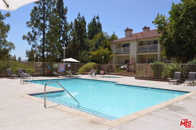 5805 Oak Bend Lane #412, Oak Park, CA 91377 (#19489454) :: Allison James Estates and Homes