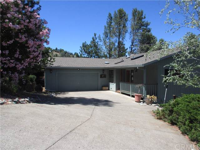 8440 Harbor View Drive, Kelseyville, CA 95451 (#LC19164682) :: The Bashe Team