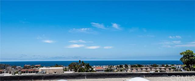 945 1st Street, Hermosa Beach, CA 90254 (#SB19185369) :: Fred Sed Group