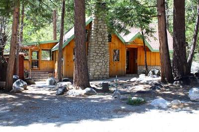 25265 Indian Rock Road, Idyllwild, CA 92549 (#SW19189987) :: Rogers Realty Group/Berkshire Hathaway HomeServices California Properties