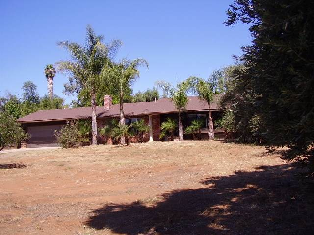 14174 Lyons Valley, Jamul, CA 91935 (#190044316) :: Steele Canyon Realty