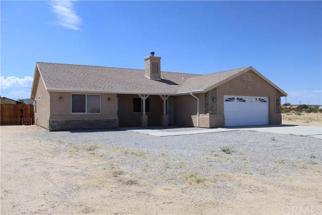 5420 La Ferney Avenue, Joshua Tree, CA 92252 (#JT19194794) :: Allison James Estates and Homes