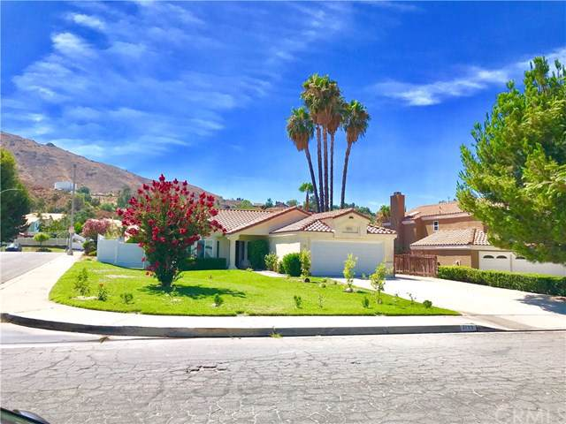 2199 Canyon Drive, Colton, CA 92324 (#IV19196825) :: Faye Bashar & Associates
