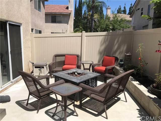 951 Acorn Lane, Corona, CA 92880 (#IG19195592) :: Steele Canyon Realty