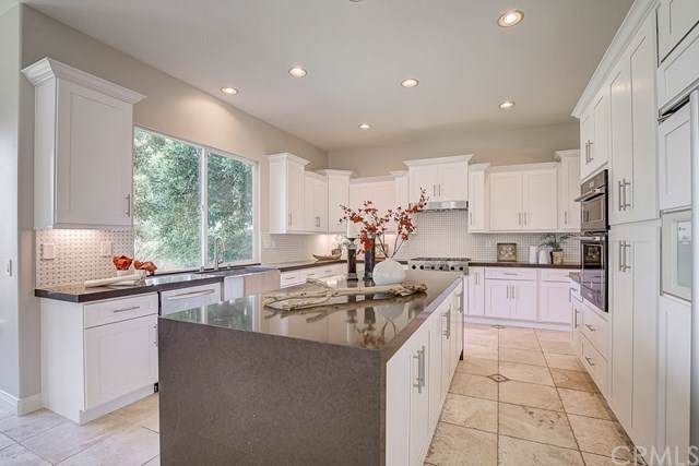 11 Keats Court, Coto De Caza, CA 92679 (#OC19198047) :: J1 Realty Group