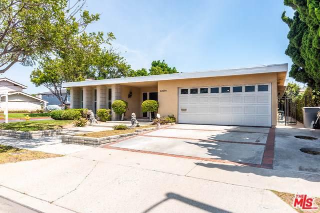 23204 Elm Avenue, Torrance, CA 90505 (#19501592) :: Millman Team