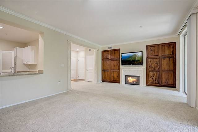 3265 Watermarke Place, Irvine, CA 92612 (#OC19201200) :: California Realty Experts
