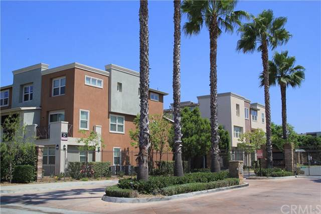 500-ave Willowbrook Avenue - Photo 1
