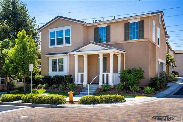 28216 N Via Sonata Drive, Valencia, CA 91354 (#SR19202573) :: Heller The Home Seller