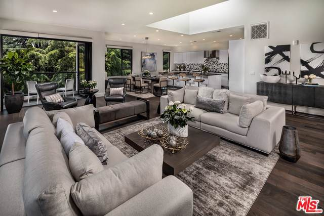 330 W Green Street #207, Pasadena, CA 91105 (#19503666) :: The Brad Korb Real Estate Group
