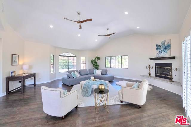 270 Thompson Avenue, Chatsworth, CA 91311 (#19507154) :: RE/MAX Parkside Real Estate