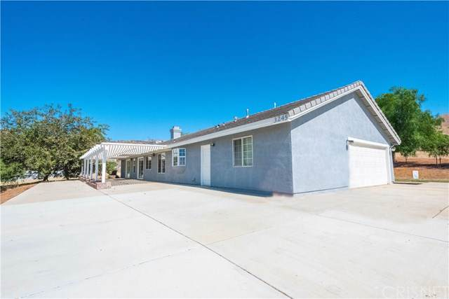 3245 Dwight Lee Street, Acton, CA 93510 (#SR19213208) :: Fred Sed Group