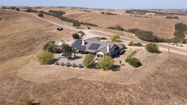 6525 Straw Ridge Road, Paso Robles, CA 93446 (#SC19214136) :: Fred Sed Group